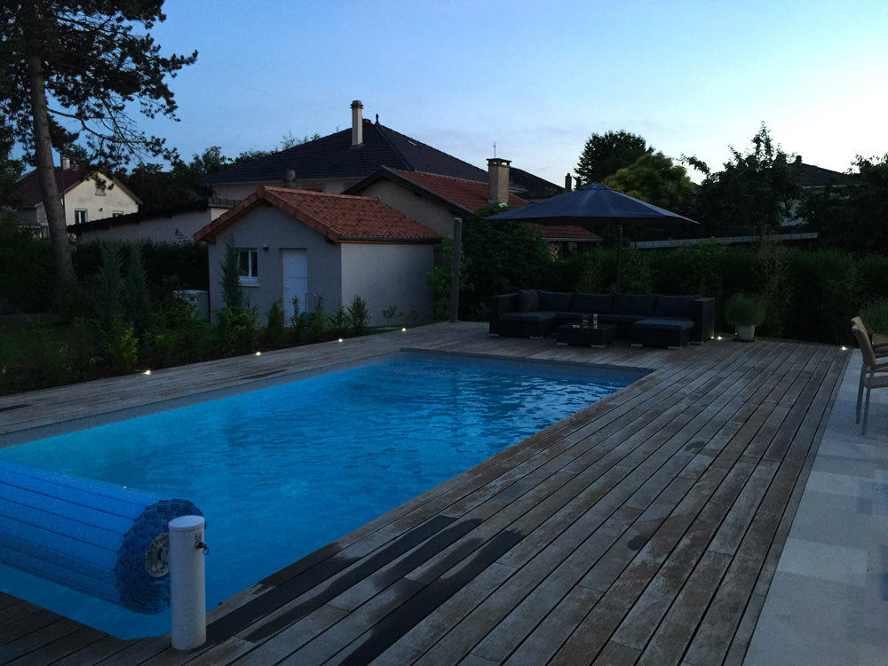 Deck habillage piscine
